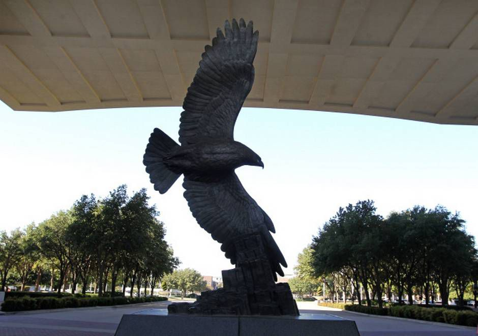 The eagle sculpture that was a symbol of EDS' spirit still makes its home in front of the old compound in Plano. Perot loved the bird -- eagles don't flock, he would say.