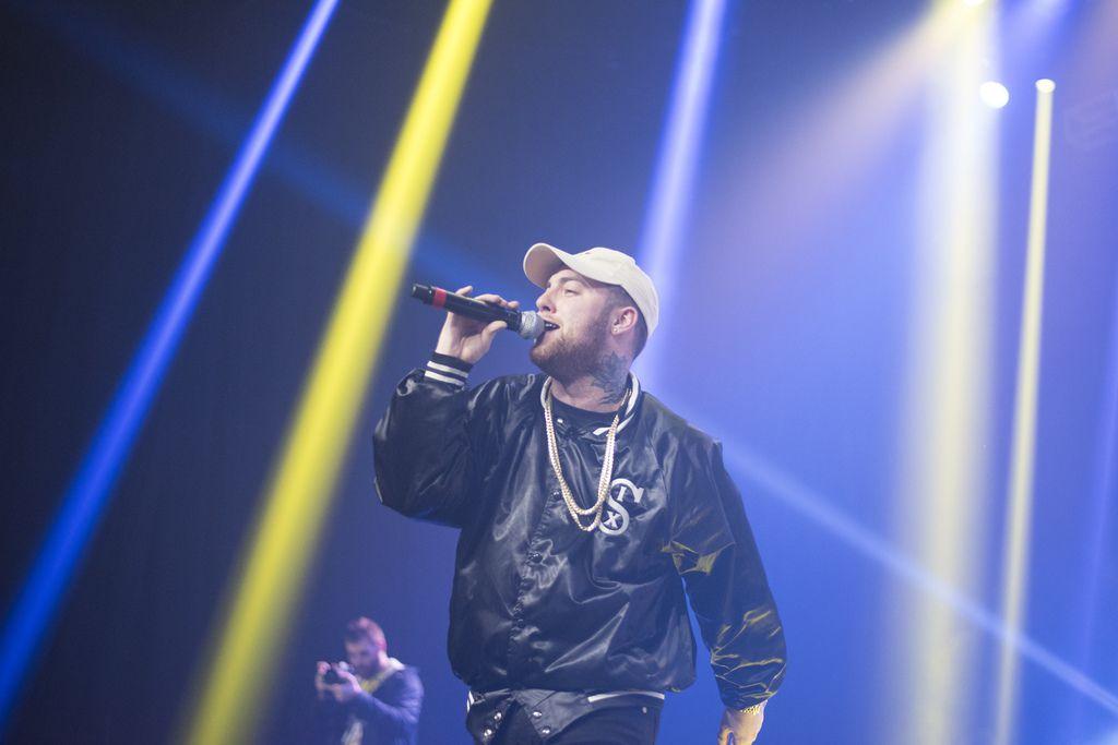 El rapero Mac Miller durante una presentación en  The Bomb Factory el  25 de noviembre del 2015 (Rex C. Curry/Special Contributor)