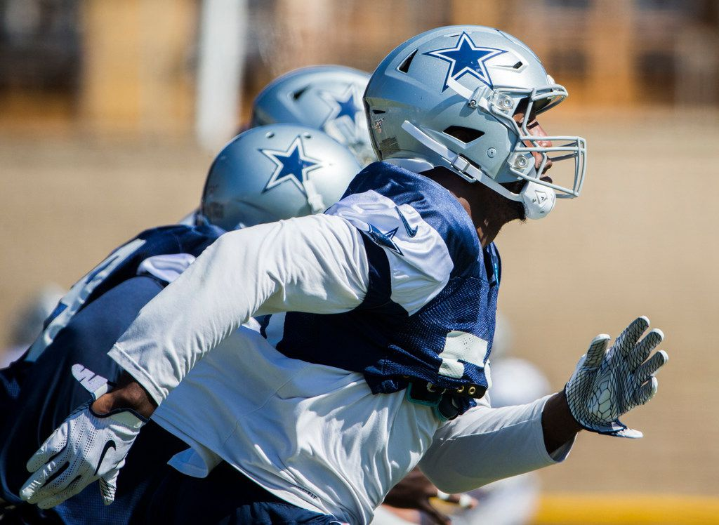 Dallas Cowboys defensive end Robert Quinn (58) runs during an afternoon practice at training camp in Oxnard, California on Thursday, August 1, 2019. (Ashley Landis/The Dallas Morning News)