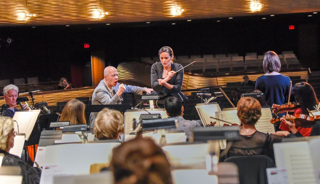 Carlo Montanaro works with Lina Gonzalez-Granados during the Dallas Opera's Hart Institute for Women Conductors.