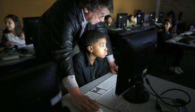 El distrito escolar de Dallas quiere actualizar la tecnología en sus salones y construir nuevas escuelas, por lo cual solicitaría a los votantes en noviembre permiso para emitir $1,600 millones en bonos de deuda. (DMN/ARCHIVO)