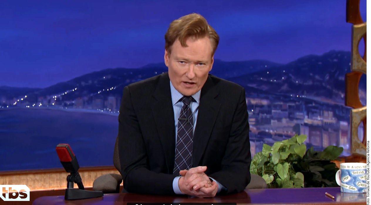 Conan O'Brien transmitió un sketch cómico doblado al español como adelanto del episodio especial de su programa que quiere grabar en México./ AGENCIA REFORMA