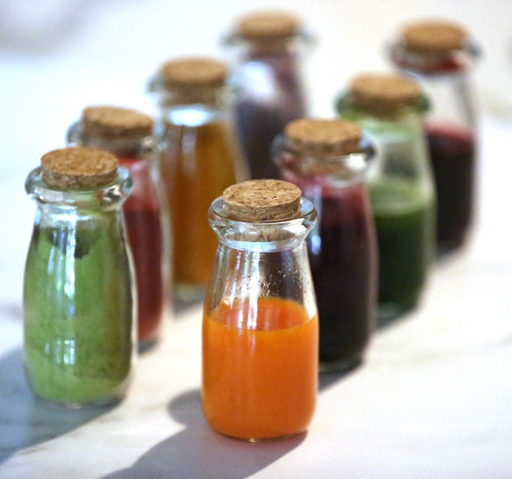 Natural food dyes can come in powder or liquid form.