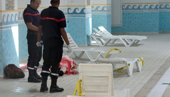 Al menos 27 personas murieron en Sousse, un balneario turístico en Túnez, en un ataque realizado por dos pistoleros. (AFP/GETTY IMAGES/FETHI BELAID)