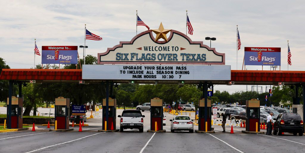 The six flags that represent the governments that have ruled Texas have been replaced at the amusement parks with American flags. (David Woo/Staff Photographer)