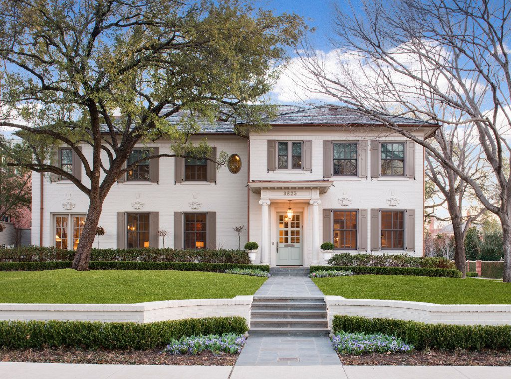 Built in 1922 by architect J.A. Pitzinger, the Greek Revival home at 3825 Miramar was renovated in 2011 to preserve its original character retaining the facade and key architectural details. See it on the Park Cities Historic Home Tour.