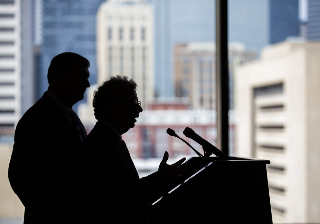 Dallas Mayor Mike Rawlings (left) and  City Manager A.C. Gonzalez (Ashley Landis/Staff Photographer)
