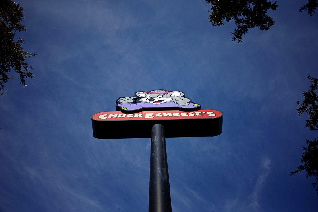 A sign outside a Chuck E. Cheese's location in Dallas.