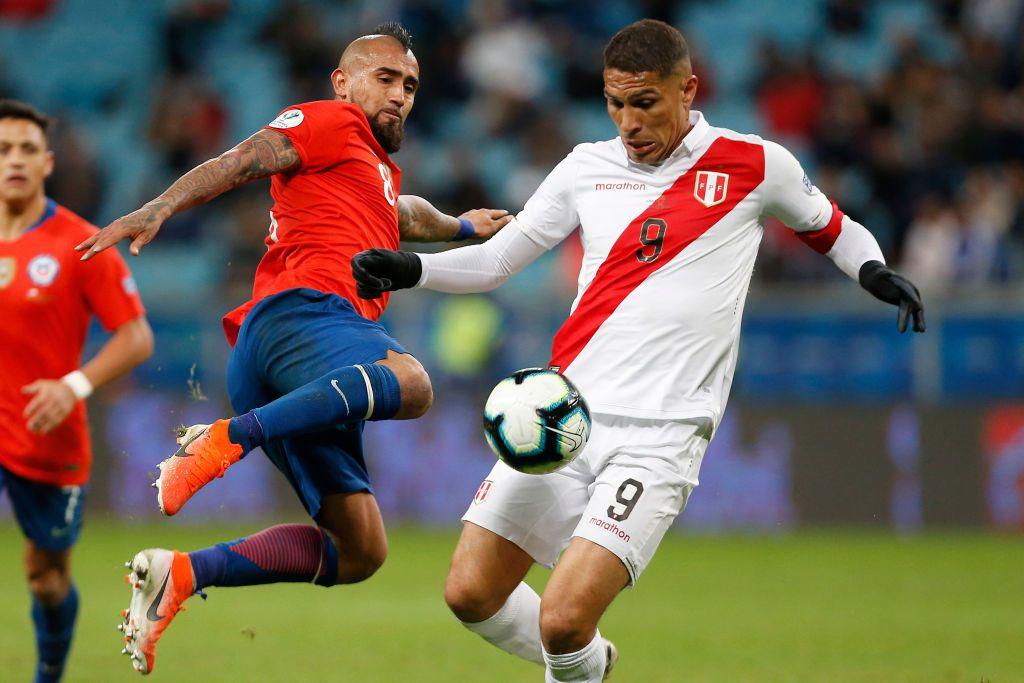 Paolo Guerrero y la selección de Perú eliminaron a Chile en la Copa América. (Photo by Wagner Meier/Getty Images)