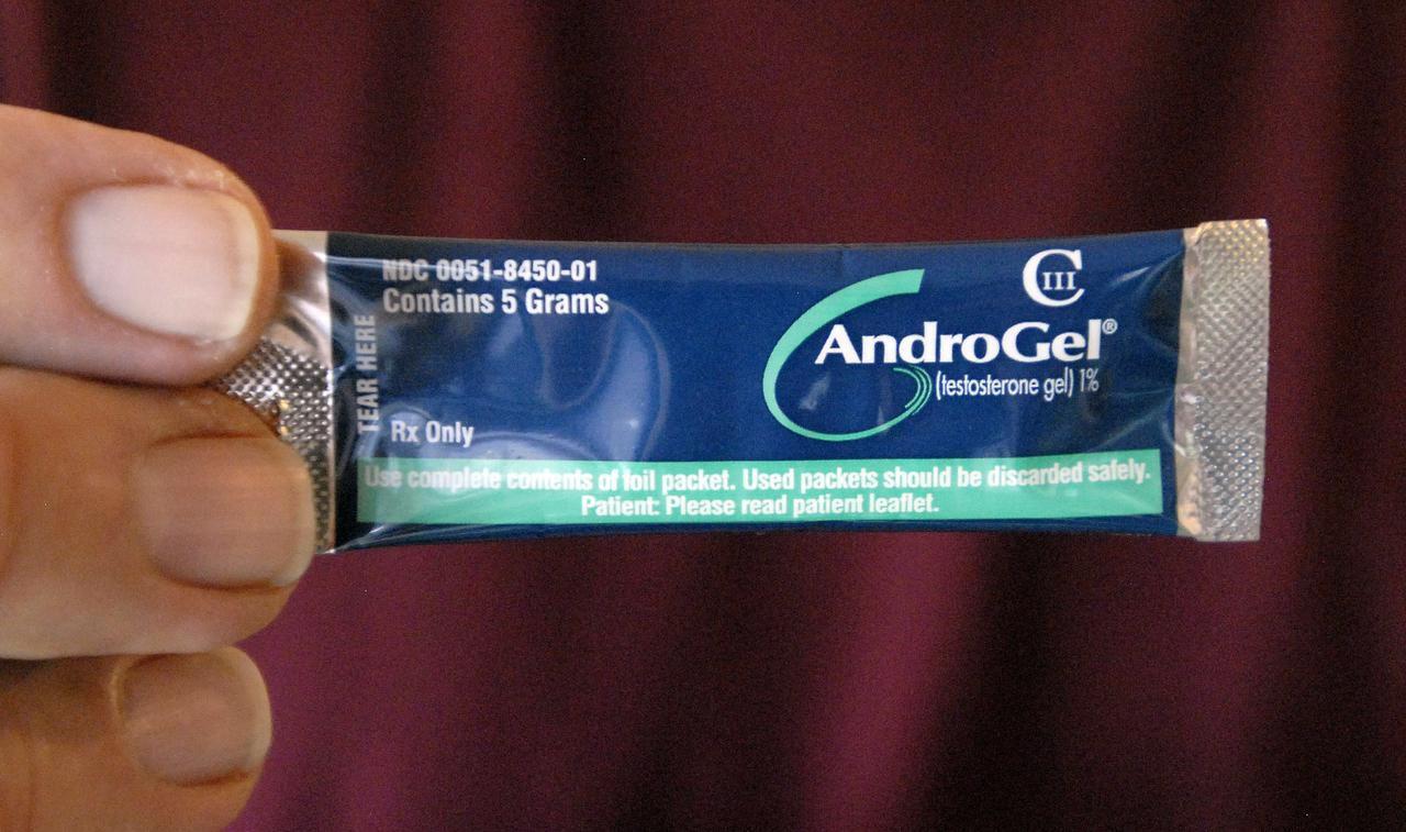 Esta foto del 2009 muestra un tubo de AndroGel, de testósterona, en Hygiene, Colorado. (AP/RICHARD M. HACKETT)
