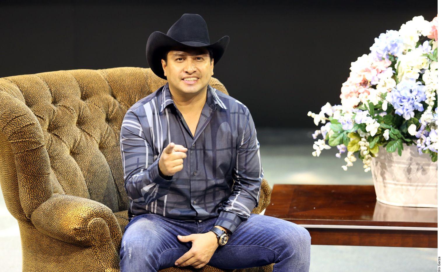 El cantante Julión Álvarez dijo que no era alcohólico pero se cansaba mucho y sufría reflujo por lo que decidió llevar una vida mejor. (AGENCIA REFORMA)