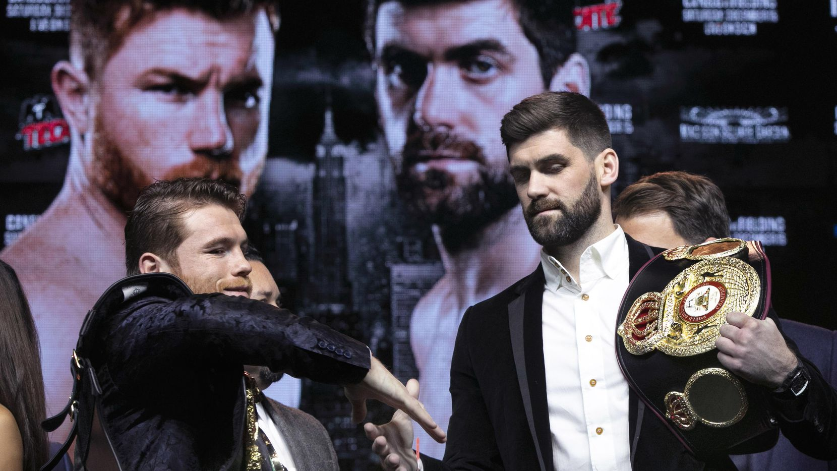 Saúl Álvarez y Rocky Fielding se enfrentarán el 15 de diciembre en el Madison Square Garden de Nueva York. (AP/Richard Drew)