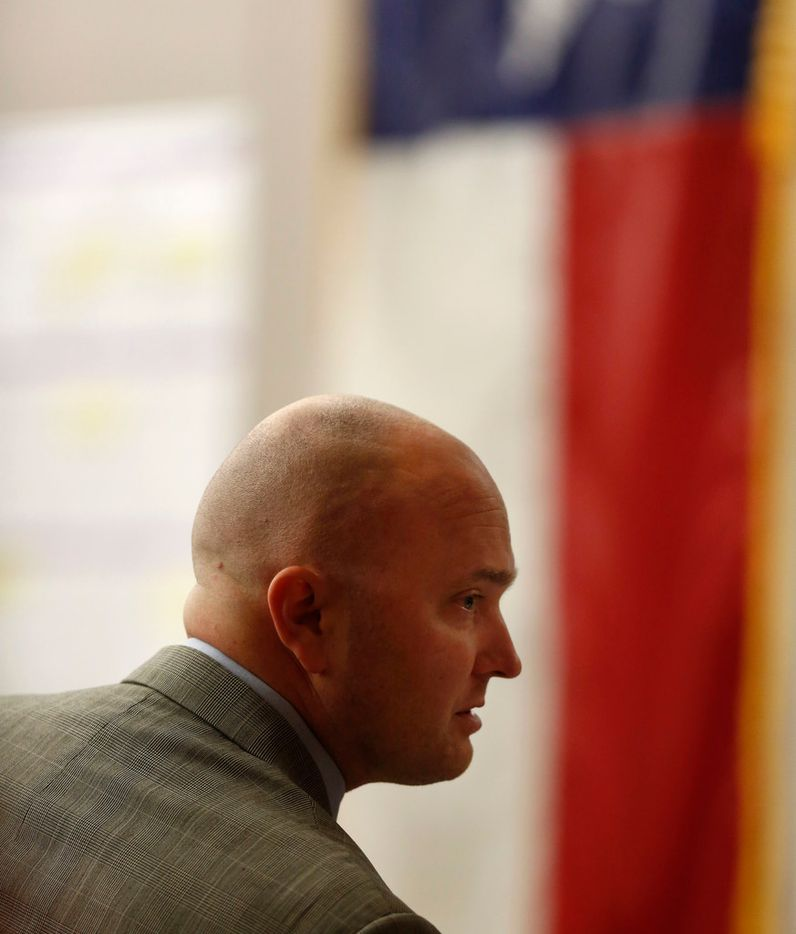 Roy Oliver glances into the courtroom gallery before trial begins Wednesday at the Dallas County courthouse. (Rose Baca/Staff Photographer)