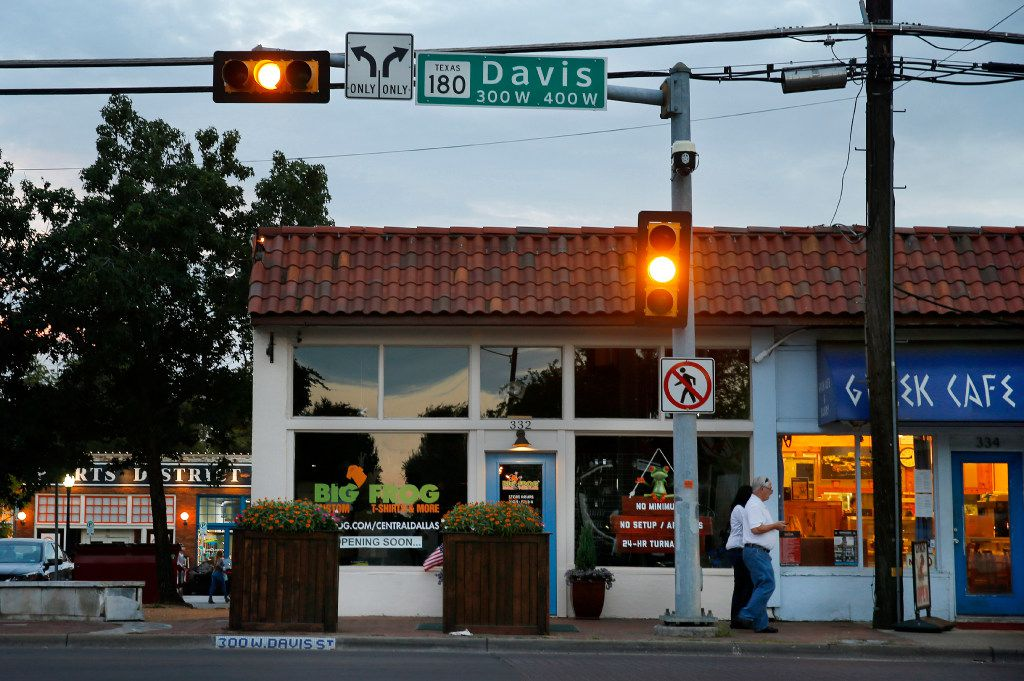Davis Street in the Bishop Arts area of Dallas is seen at dusk, Wednesday, August 23, 2017. (Tom Fox/The Dallas Morning News)