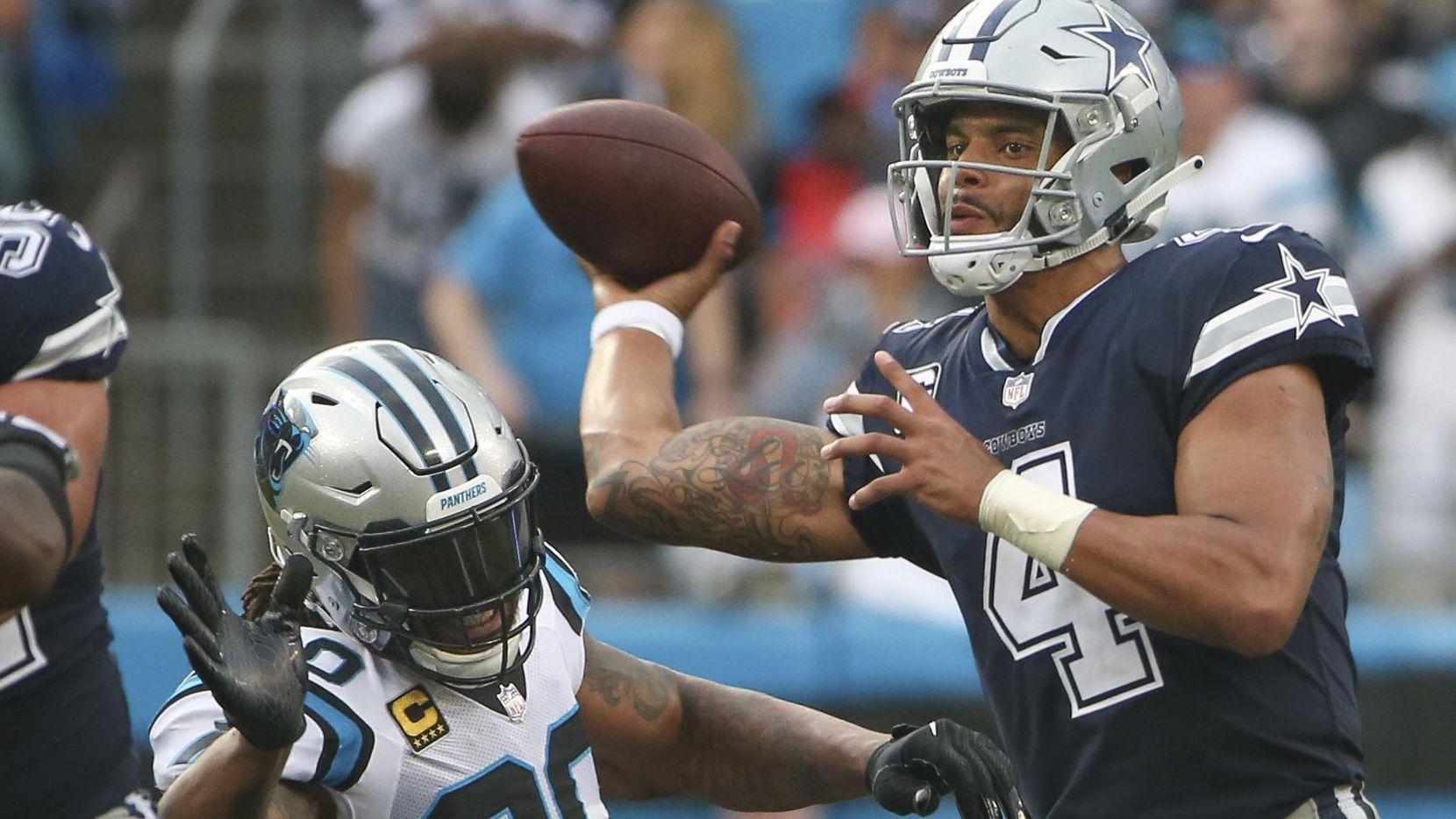 Dak Prescott (4) y los Cowboys cayeron 16-8 ante los Panthers el 9 de septiembre, en el Bank of America Stadium en Charlotte, North Carolina. (DMN/Ryan Michalesko)