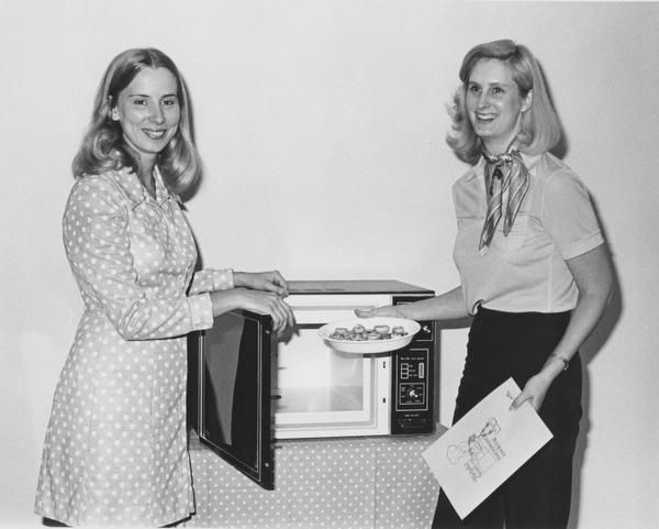 Cooking demonstrations, including with microwave ovens, were a part of the branch's programming.