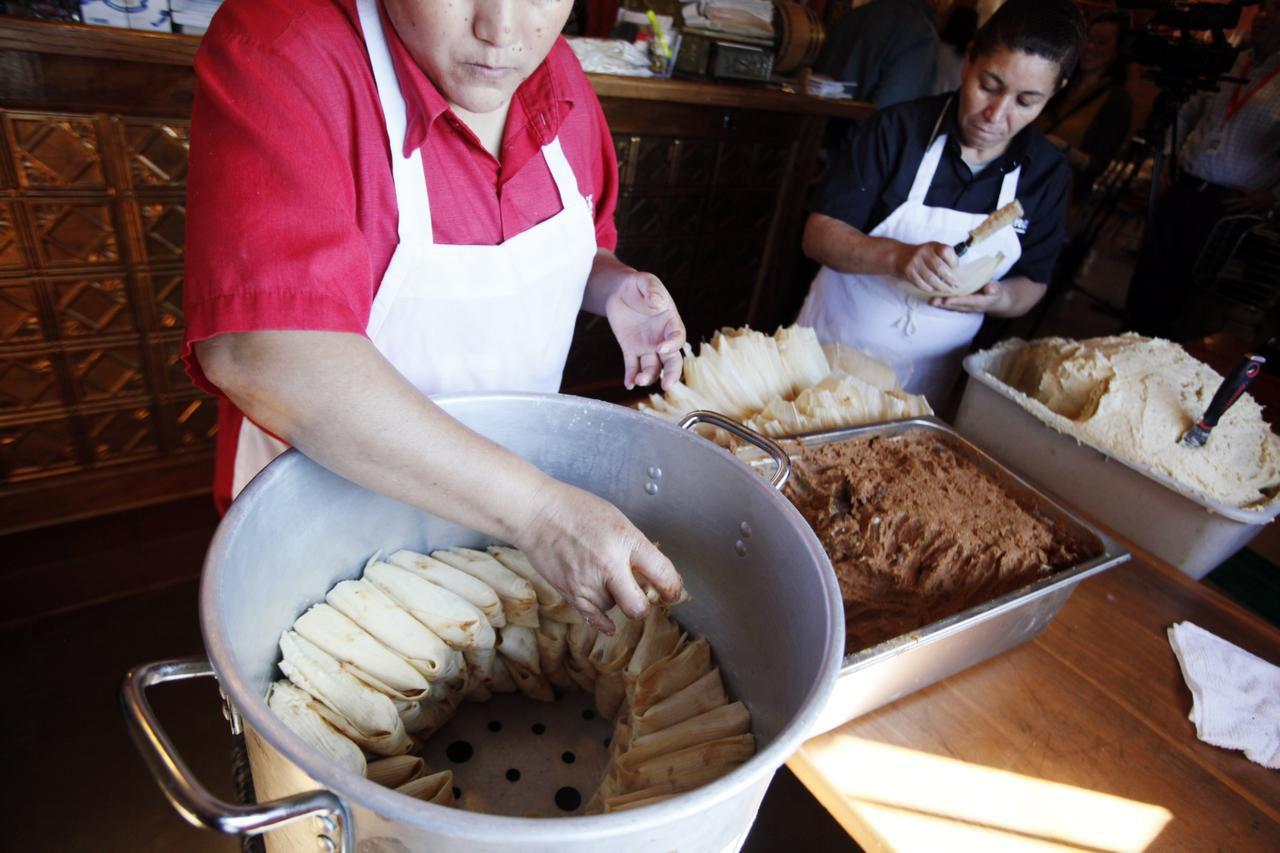 Este sábado se llevará a cabo el Primer Festival Anual del Tamal, en el Latino Cultural Center, donde se venderán tamales de varios sabores, incluyendo opciones veganas.