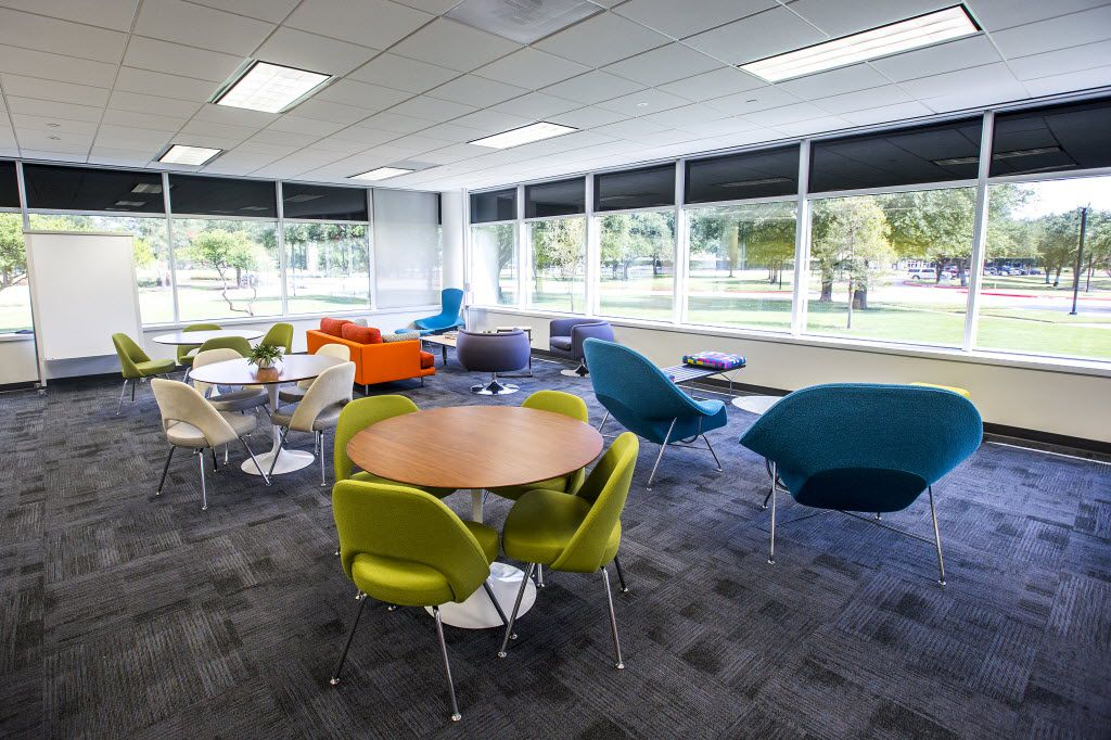 A lounge area furnished by Knoll at Toyota's temporary offices. (Smiley N. Pool/The Dallas Morning News)