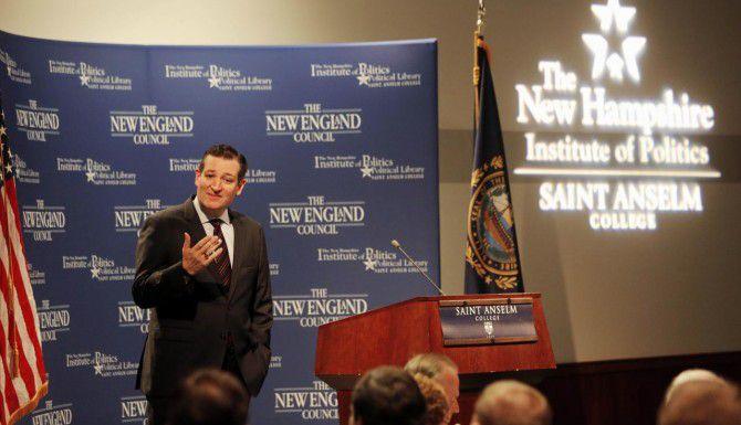 El senador Ted Cruz hizo oficial su candidatura a la presidencia con un mensaje por Tweeter. (AP/Jim Cole)
