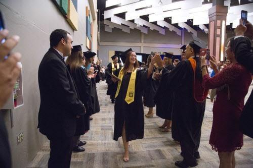 El Sistema Universitario Ana G. Méndez que este verano tuvo a sus primero graduados recibirá una beca del IME. (ESPECIAL PARA AL DÍA/MARÍA OLIVAS)