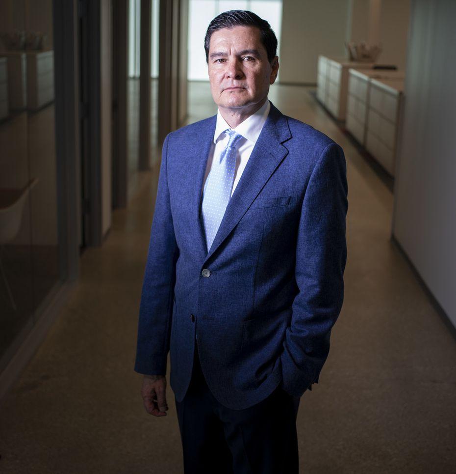 Guillermo Perales, presidente y director principal de Sun Holdings, en Dallas. Perales es uno de los empresarios mexicanos más exitosos del Norte de Texas.