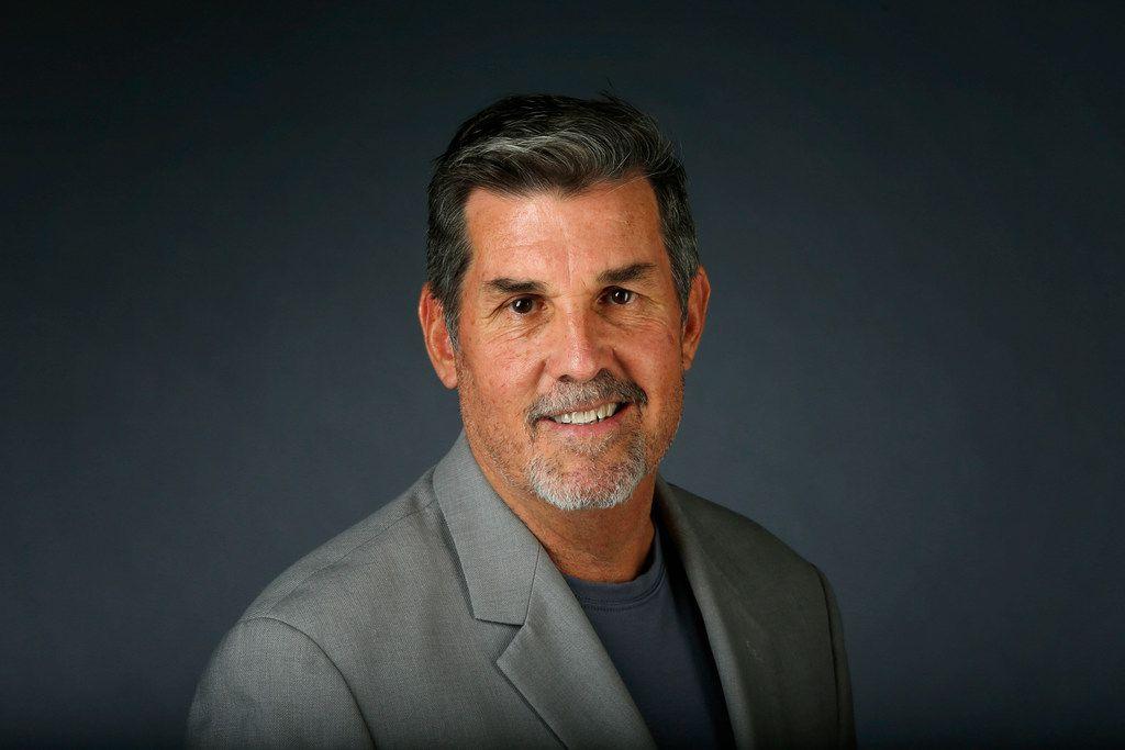 Tim Cowlishaw at the photo studio at The Dallas Morning News in Dallas on Sept. 12, 2018.  (Nathan Hunsinger/The Dallas Morning News)