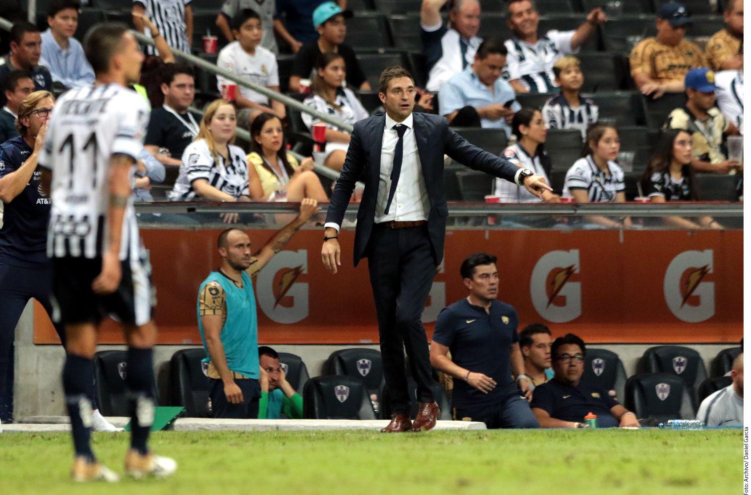 Diego Alonso, DT de Rayados. Foto Agencia Reforma