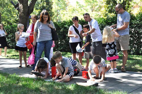 La celebración del Primer Sábado en el Centro de Escultura Nasher es un evento para toda la familia. (Nasher Sculpture Center.