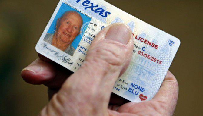 Cientos de miles de licencias de manejo en Texas tienen errores, según una agencia estatal. (DMN/G.J. McCARTHY)
