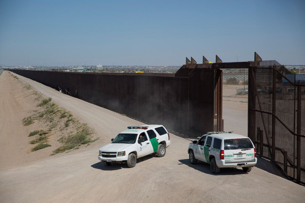 The border fence between El Paso, Texas, and Ciudad Juarez, Mexico, on March 12. (Ivan Pierre Aguirre/The New York Times)