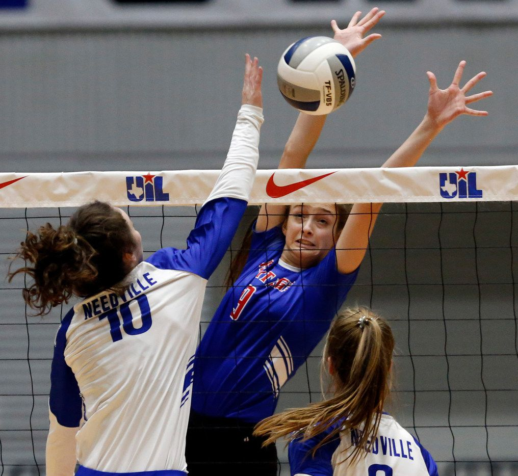 Texas A&M pledge Hanna Larson (9) of Midlothian Heritage ranks third in the Dallas area in blocks, averaging 1.5 per set. (John F. Rhodes / Special Contributor)