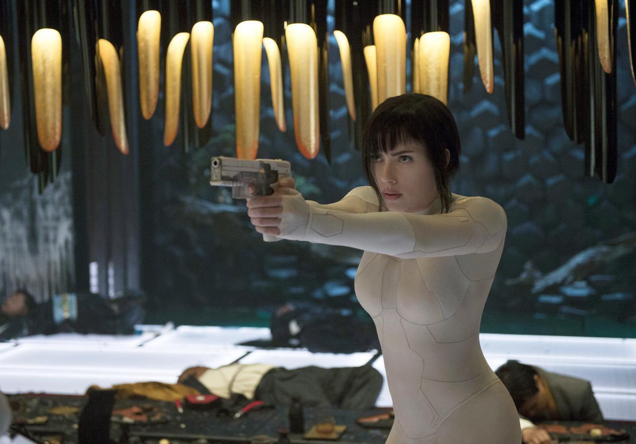 """Scarlett Johansson en una escena de """"Ghost in the Shell"""".(Paramount Pictures)"""