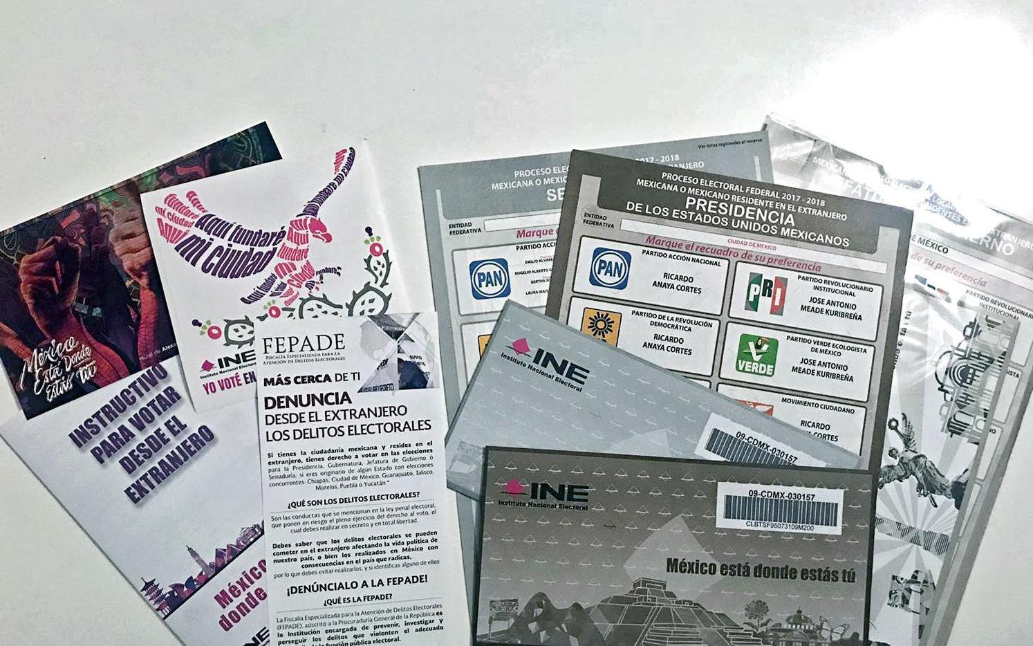 El paquete electoral de México para los votantes en el extranjero.(AGENCIA REFORMA)