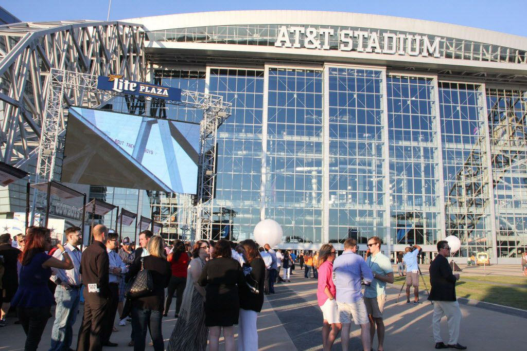 Foodies and football fans alike attended the Taste of the NFL tailgate party on Sunday at AT&T Stadium. The event benefited the North Texas Food Bank.