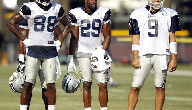 Dez Bryant (88), DeMarco Murray (29) y Tony Romo (9) encabezan la ofensiva de los Cowboys con números récord. (DMN/VERNON BRYANT)