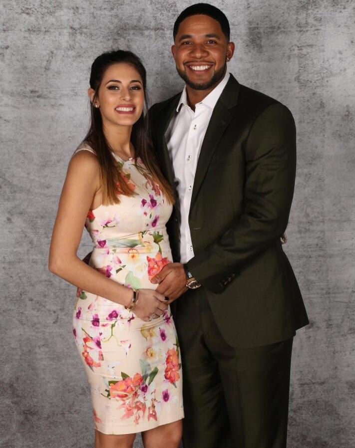 Junto a su esposa Corina