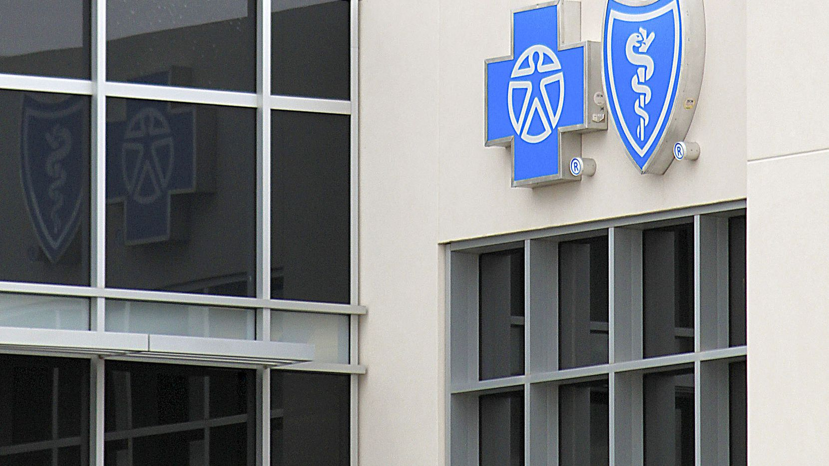 Blue Cross Blue Shield of Texas has rejected contracts that won't let the insurer steer patients to lower-cost health care providers. (AP Photo/Susan Montoya Bryan) ORG XMIT: RPSB103