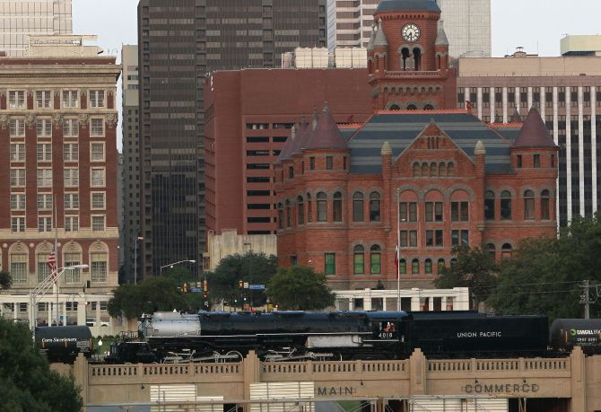 Big Boy steam locomotive leaves Fair Park for new home