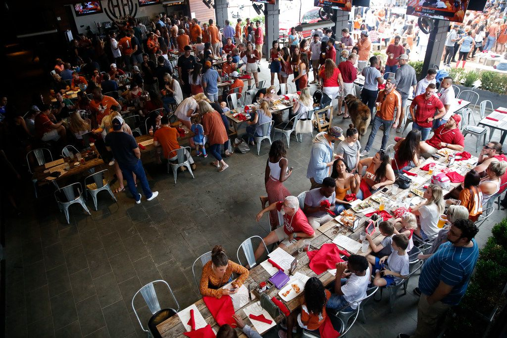 Here's a look at Happiest Hour during a Texas-OU weekend. On any other weekend, it's still crowded with sports fans.
