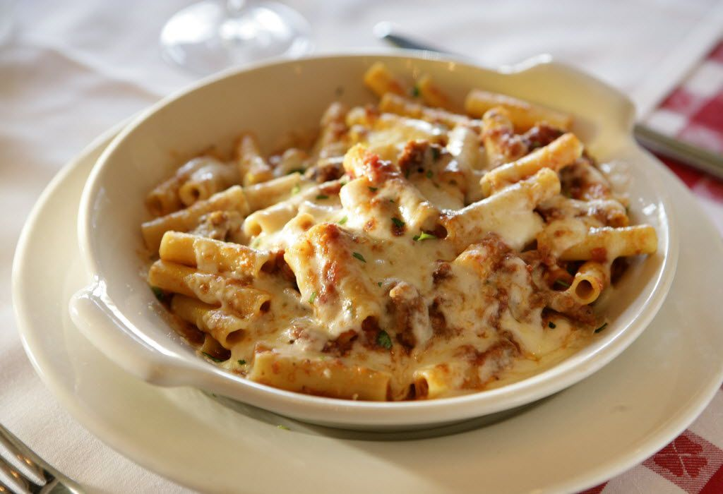 Maggiano's Little Italy was ranked first in a poll of favorite casual chain restaurants.