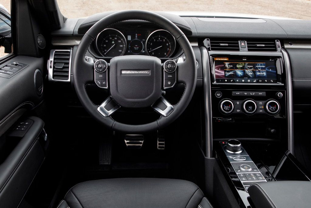 The interior of the 2017 Land Rover Discovery has the sort of niceties you would expect at its price point.