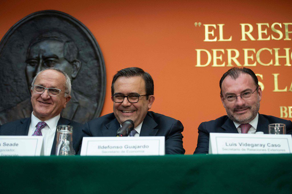 Mexican chief negogtoator Jesus Seade (left), Economy Secretary Ildefonso Guajardo and Foreign Minister Luis Videgaray at a news conference at the Mexican Embassy in Washington, D.C., on Monday.