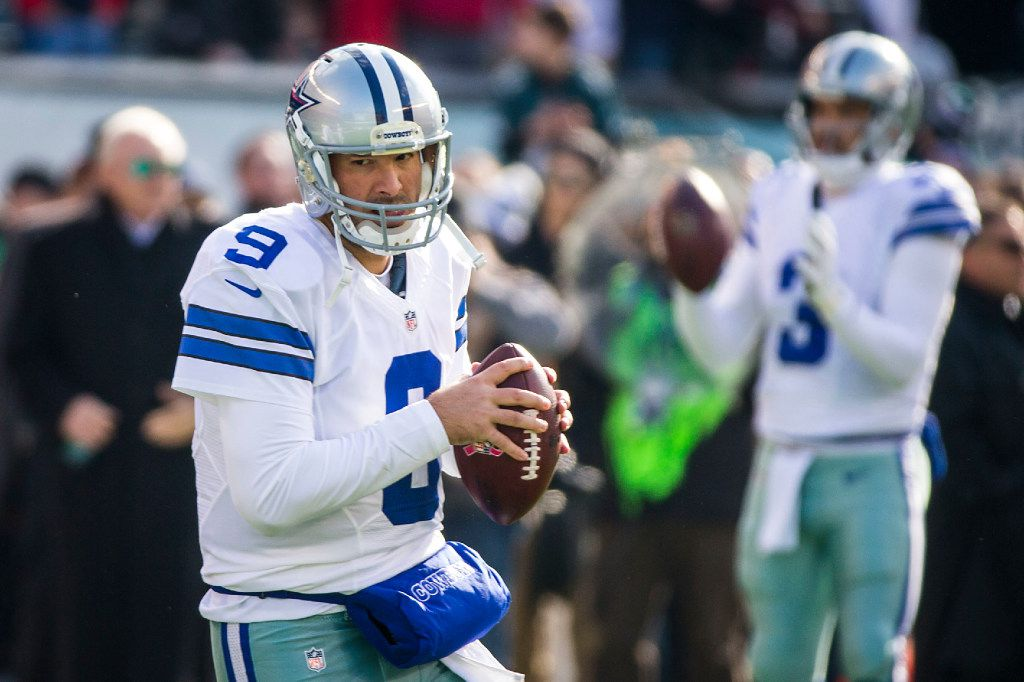 Dallas Cowboys quarterback Tony Romo (9) and quarterback Mark Sanchez (3) warm up before an NFL football game against the Philadelphia Eagles at Lincoln Financial Field on Sunday, Jan. 1, 2017, in Philadelphia. (Smiley N. Pool/The Dallas Morning News)