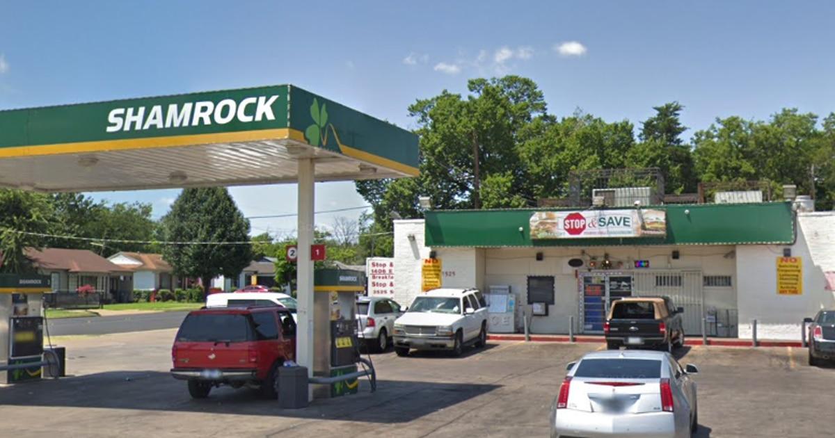 Un hombre quedó inconsciente y luego falleció luego de una pelea en la tienda Stop and Save en Oak Cliff.