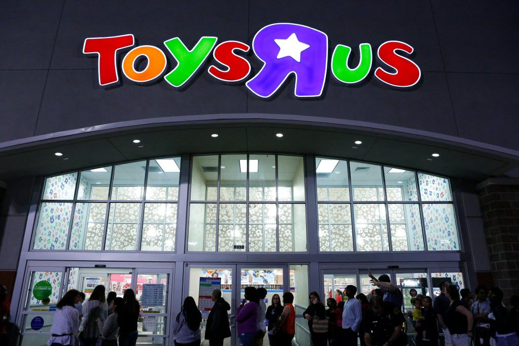 """The lines dwindled outside Toys R Us on recent Thanksgiving Day and Black Friday openings.  In 2012, shoppers waited in line to take advantage of Black Friday specials at the Toys""""R""""Us on North Central Expressway in Dallas."""