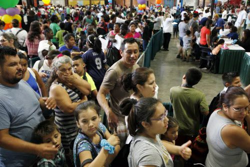 Miles acudieron a Fair Park en 2016 para la Feria de Regreso a Clases del Alcalde.