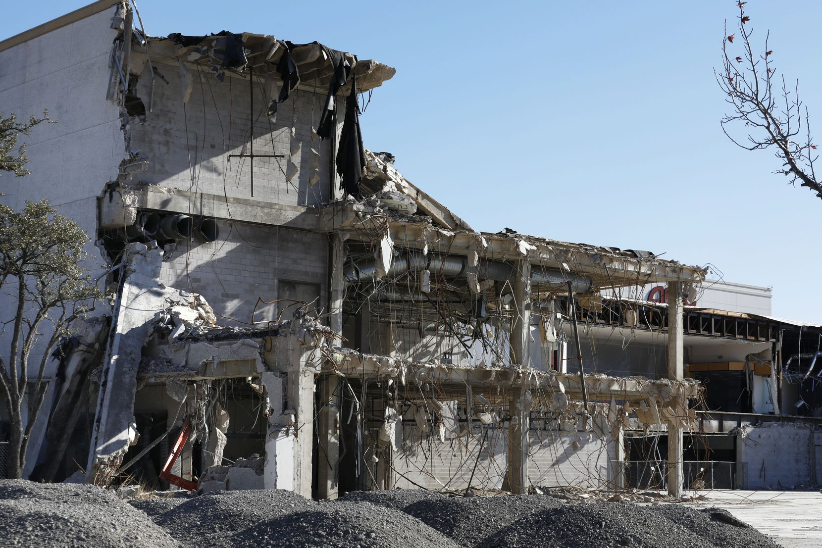 Valley View mall sat partially demolished for more than a year before crews knocked down the old buildings.
