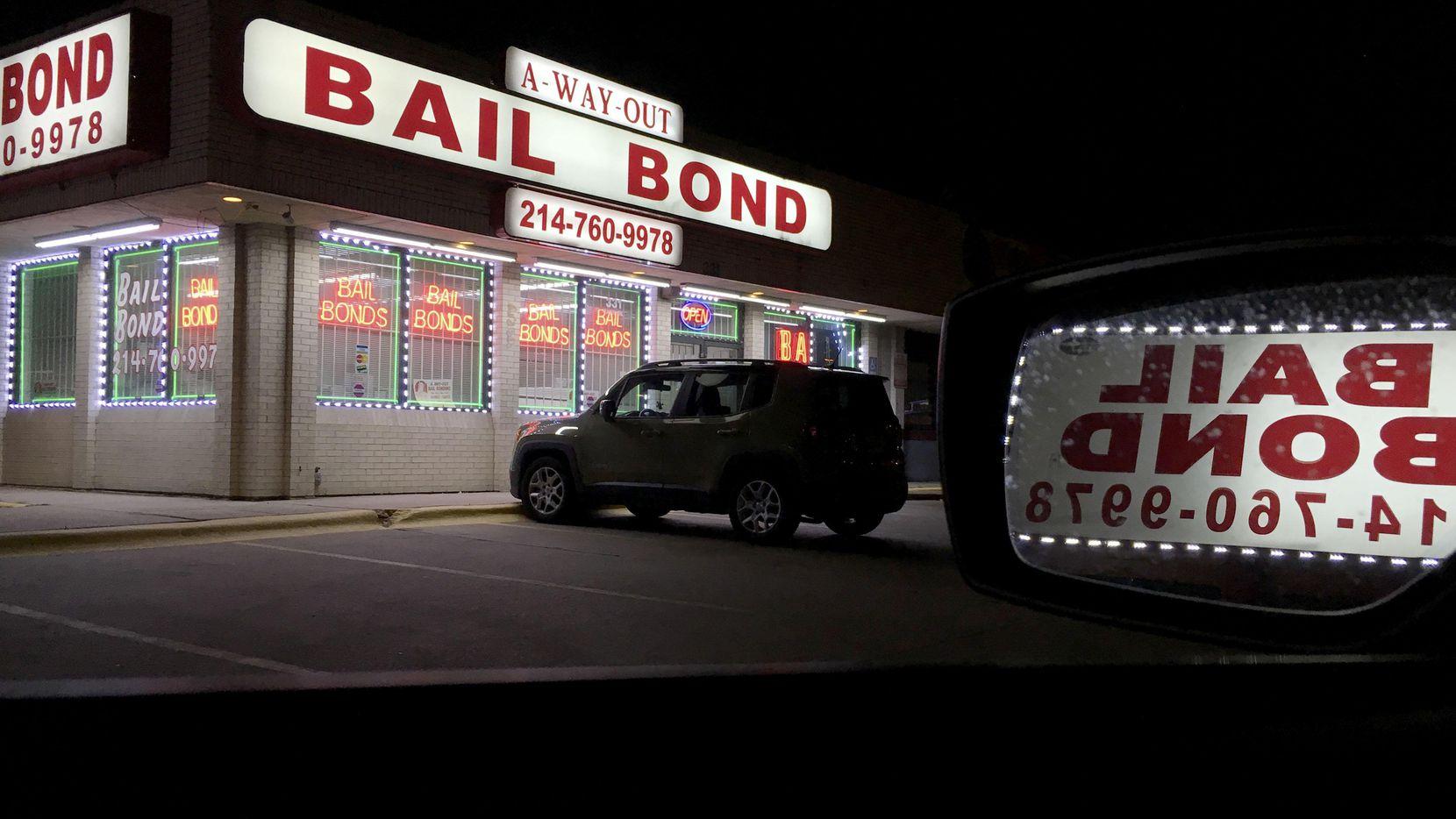 El sistema de fianzas en Dallas perjudica a los pobres que no pueden pagarlas según alega una demanda de inconstitucionalidad contra el condado y el sheriff. (DMN/MICHAEL HAMTIL)