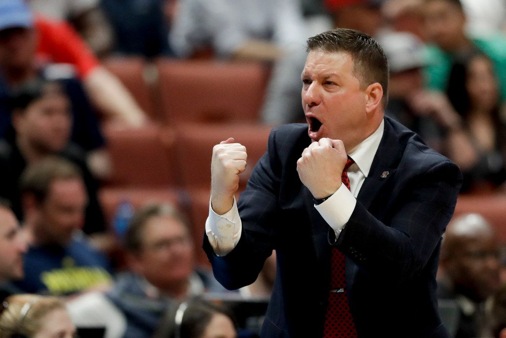 Texas Tech coach Chris Beard shouts during the second half of the team's NCAA men's college basketball tournament West Region semifinal against Michigan on Thursday, March 28, 2019, in Anaheim, Calif. (AP Photo/Marcio Jose Sanchez)