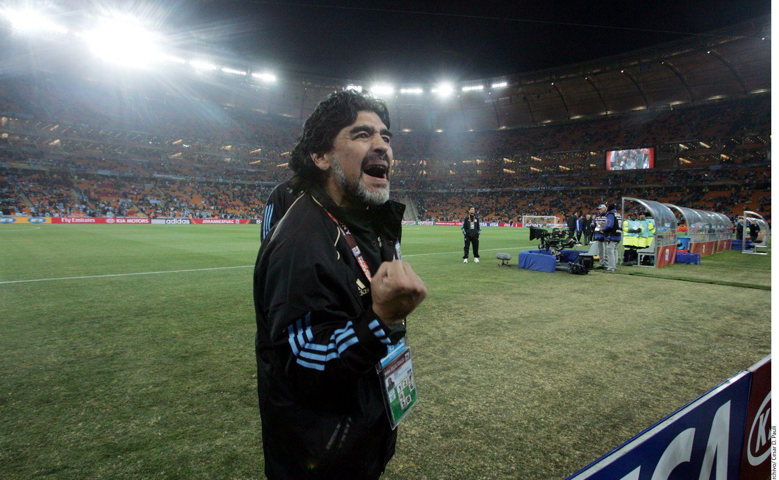 Diego Armando Maradona (foto) también criticó al entrenador Julen Lopetegui, quien fue cesado como seleccionador de España a unos días del Mundial porque firmó con el Real Madrid./ AGENCIA REFORMA